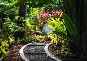 Aranżacja — jak dobrać odpowiedni kamień, by udekorować ogród?